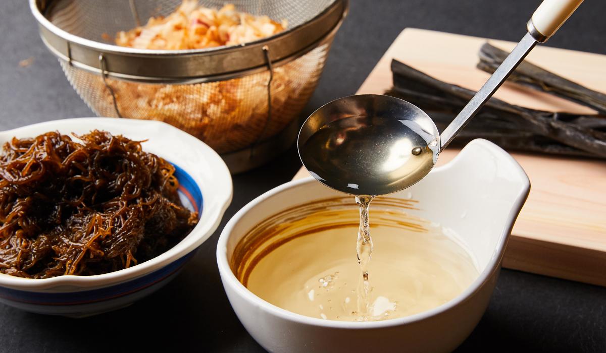 入手困難なご当地の品や鮮度のある旬の食材を。